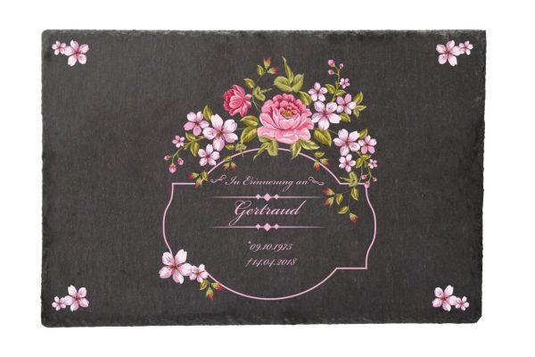 Gedenktafel Schieferplatte Blumenkranz