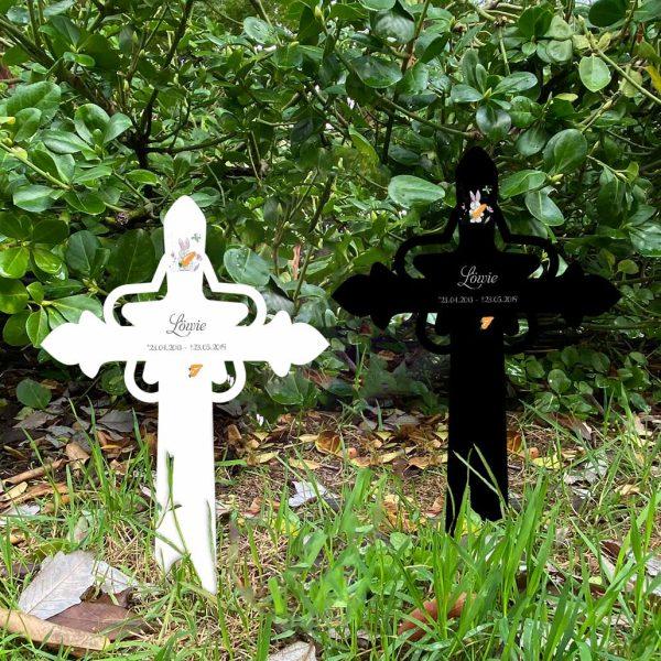 Grabkreuz mit Stern fürs Tier Hase mit Karotte