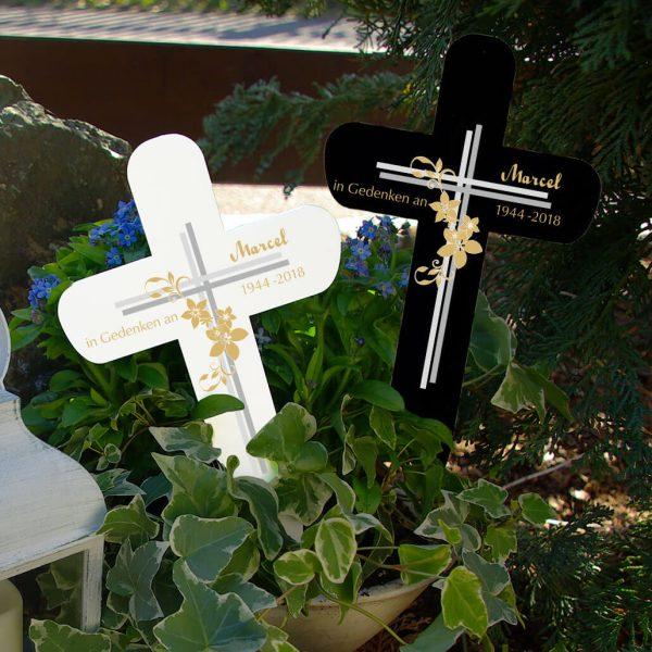 Grabkreuz Kreuz mit Blumen