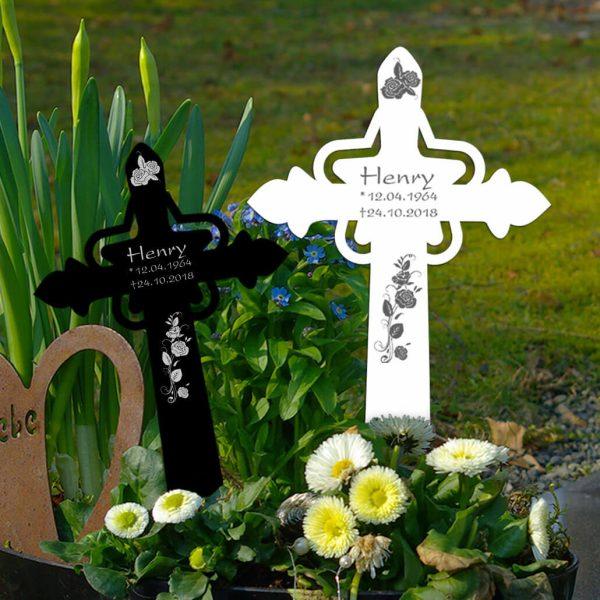 Grabkreuz mit Stern Rosenstrauß