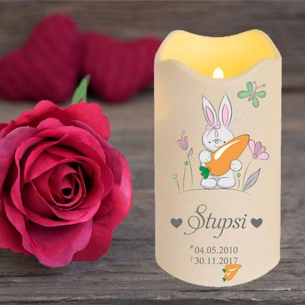 LED Kerze Trauerkerze aus Kunststoff für Tiere Hase mit Karotte
